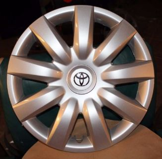 "Find NEW TOYOTA COROLLA HUBCAP (1) 61136 - 15"" OEM WHEEL COVERS 2004 TO 2006 HUBCAPS motorcycle in Port Richey, Florida, United States, for US $39.99"