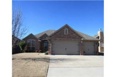 $1525 ***7621 Twin Oaks Drive*** 3bd, 2 bath (Yuko
