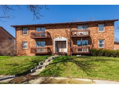 2 Bed 1 Bath Foreclosure Property in Waukesha, WI 53186 - Camden Way Unit B
