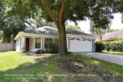 Apopka 3/2 with FENCED YARD and no carpet, in ROYAL OAK ESTATES. Community Pool and Tennis!
