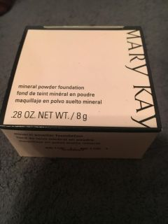 New unused in box mary Kay mineral powder foundation. Beige 1