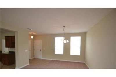 Check out this beauty located in Beatrice Walk. Washer/Dryer Hookups!