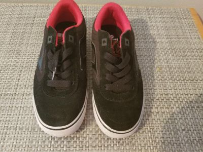 Like-new AirSpeed Black/Red Boys Shoes