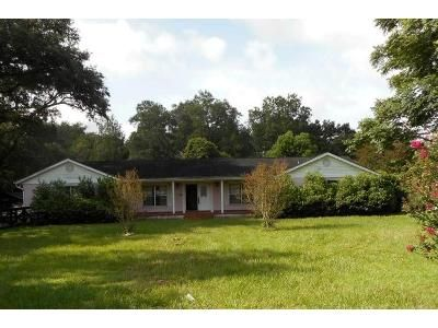 4 Bed 3 Bath Foreclosure Property in Morriston, FL 32668 - W Highway 326