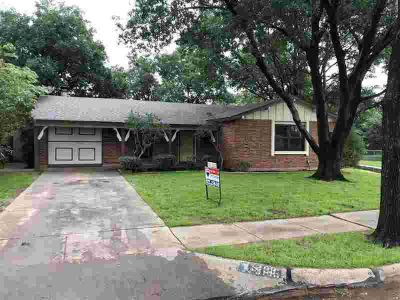 5133 Lakefront Drive WICHITA FALLS, Extremely clean and neat