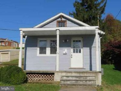 29 York Ave Spring Grove Two BR, 1 Story vinyl sided house with