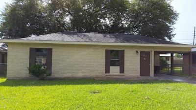 $800, 3br, Beautiful new flooring, new appliances, insulated windows installed in Lafayette, LA
