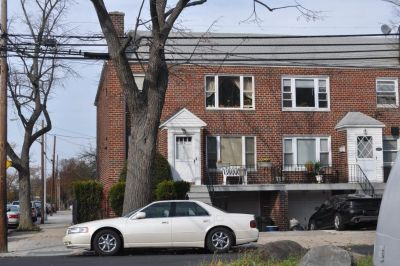 ID#: 1327771 Freshly Painted Three Bedroom Apartment For Rent In Bayside