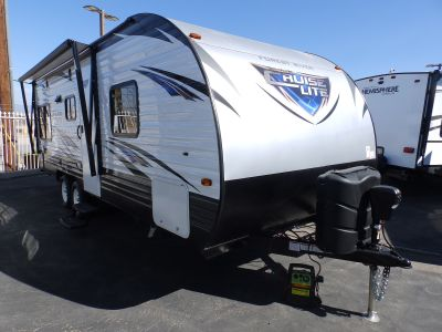 2019 Forest River SALEM 202RDXL, REAR DINETTE/SLEEPER AND SOFA/SLEEPER, FRONT WALK-AROUND QUEEN BED, POWER AWNING, POWER STABILIZER JACKS