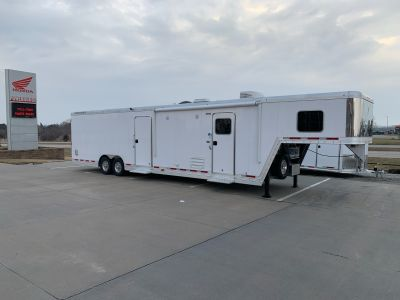 2019 Featherlite Trailers 4941-0032 Car Haulers Roca, NE