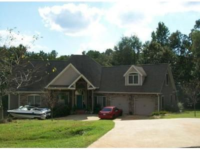 3 Bed 2.5 Bath Foreclosure Property in Central, SC 29630 - Puckett Mill Way