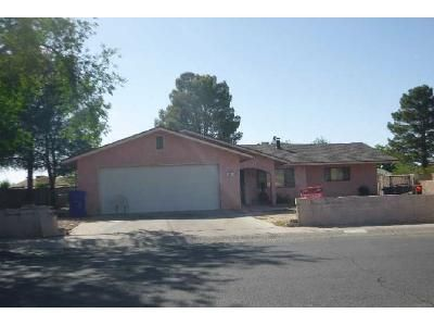 4 Bed 2 Bath Foreclosure Property in Safford, AZ 85546 - S 9th Ave