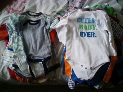 Nb/0-3 month baby boy clothes -0ver 40 pieces!