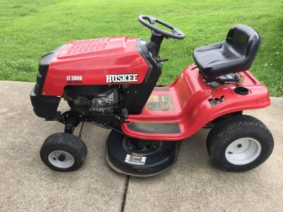 Handyman's Special: Huskee 38 inch Riding Mower