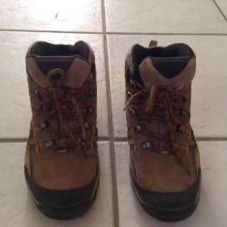 Boots by Windhoek 7.5