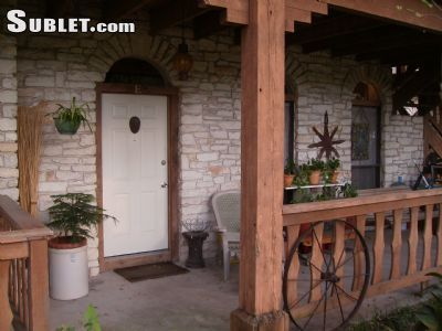 $750 2 townhouse in Central Austin