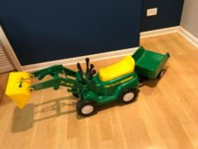 John Deere ride-on tractor & trailer