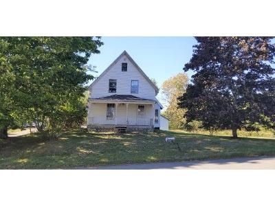 4 Bed 1 Bath Foreclosure Property in Pembroke, ME 04666 - Old County Rd