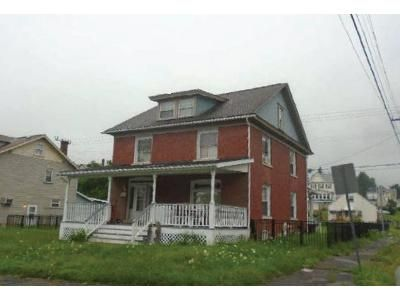 4 Bed 1 Bath Foreclosure Property in Altoona, PA 16601 - 21st Ave