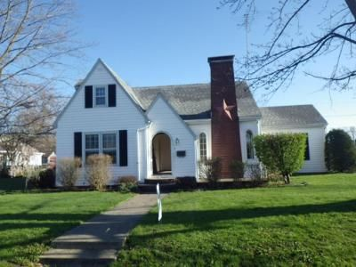3 Bed 2 Bath Foreclosure Property in Elwood, IN 46036 - Main St