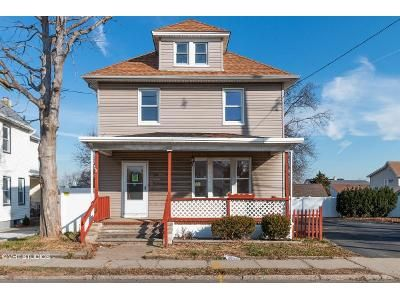 3 Bed 2 Bath Foreclosure Property in South River, NJ 08882 - Prospect St