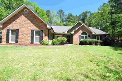 122 Greenbriar Trail LAGRANGE Three BR, opportunity abounds !!!