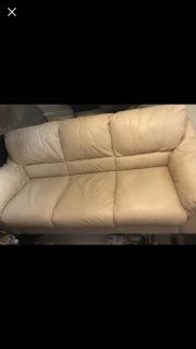 Beautiful 6 LEATHER CREAM COLORED SOFA. NOT DISCOLORED JUST THE LIGHTING. NEED GONE ASAP MOVING! $200.