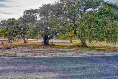139 Villa Dr Kerrville, Overlooking the beautiful Texas Hill