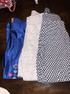 Levittown pick up. Girls pants size 5/6. $2.00 must take all. Justice and h & m brand.
