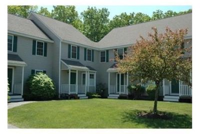 Wonderful End Townhome with 1 car garage. Washer/Dryer Hookups!