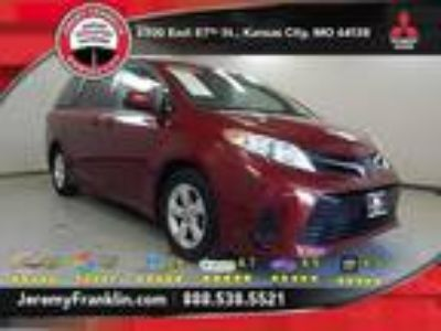used 2018 Toyota Sienna for sale.
