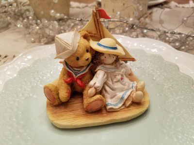 "1991 Cherished Teddies ""Yesterday's Memories Are Today's Treasures"" Figurine"