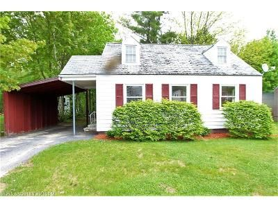 2 Bed 1 Bath Foreclosure Property in Rumford, ME 04276 - Somerset St
