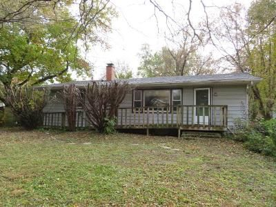 3 Bed 1 Bath Foreclosure Property in Wauconda, IL 60084 - Highland Ave