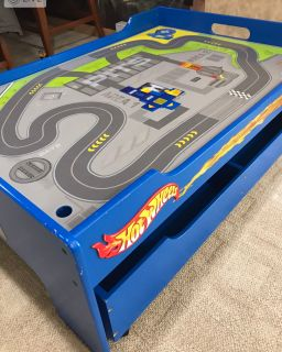 Hot wheels table with two large storage bins