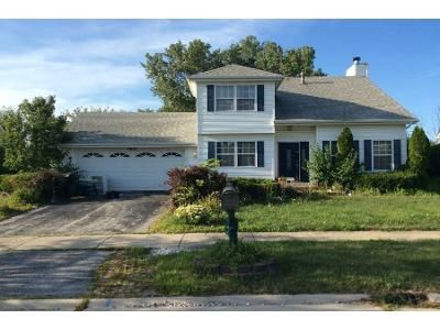 3 Bed 2.5 Bath Foreclosure Property in Country Club Hills, IL 60478 - 192nd St