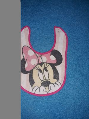 Minnie mouse bib excellent conditions, SERIOUS BUYERS ONLY, NOT WATERPROOF