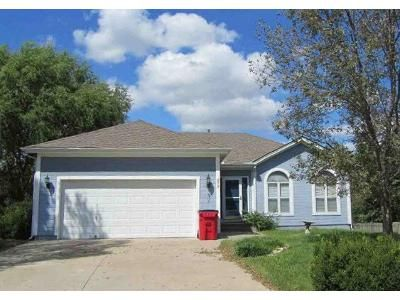 2 Bed 2 Bath Foreclosure Property in Independence, MO 64056 - N Cloverdale Ct