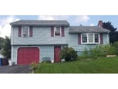 3 Bed 1.5 Bath Foreclosure Property in New Britain, CT 06053 - Torkom Dr