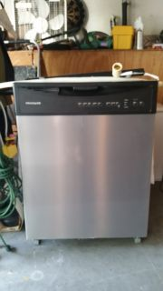 FRIGIDAIRE Dishwasher - like new!