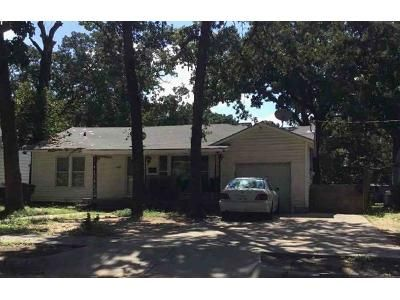 3 Bed 2 Bath Foreclosure Property in Fort Worth, TX 76111 - Selma St