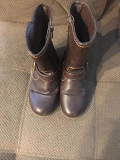 Girls size 12 brown boots