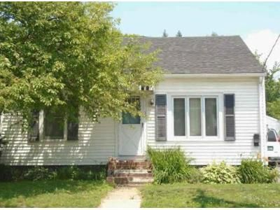 3 Bed 1 Bath Foreclosure Property in Essex Junction, VT 05452 - West St