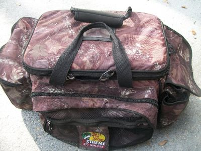 Bass Pro Extreme Tackle Box Cammo w 6 Boxes Inside