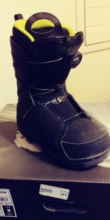 Size 8 mens snowboard boots
