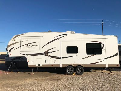 2015 Forest River Rockwood Signature Ultra Lite 8280WS