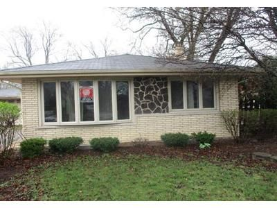 3 Bed 2 Bath Foreclosure Property in Palos Heights, IL 60463 - W 127th St