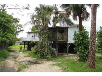 4 Bed 2 Bath Foreclosure Property in Naples, FL 34120 - 16th St NE