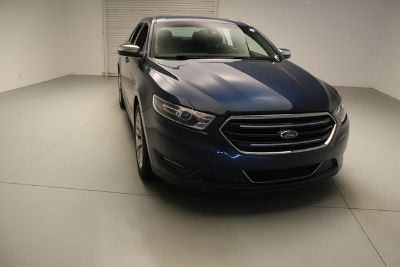 2017 Ford Taurus Limited (Blue Jeans Metallic)