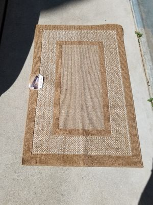 NEW Condition - Easy Living Collection Accent Rug